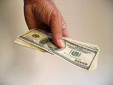 Курс доллара взлетел науровень мая 2003 года