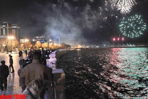 http://news.mail.ru/pic/41/92/1422658_512_341_source.jpg
