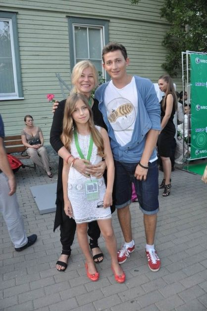 http://news.mail.ru/pic/8f/05/1059394_418_628_source.jpg