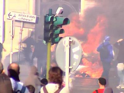 В субботу днем на улицы итальянской столицы вышли сотни тысяч протестующих Подробнее: http://news.mail.ru/politics/7078715/?frommail=1