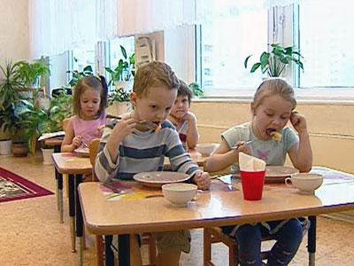 Родители пожаловались в прокуратуру на новое меню в детсадах Москвы