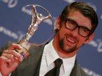 Майкл Фелпс признан пловцом года в США, несмотря на дисквалификацию