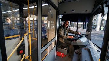 Куда и как жаловаться на водителей общественного транспорта?