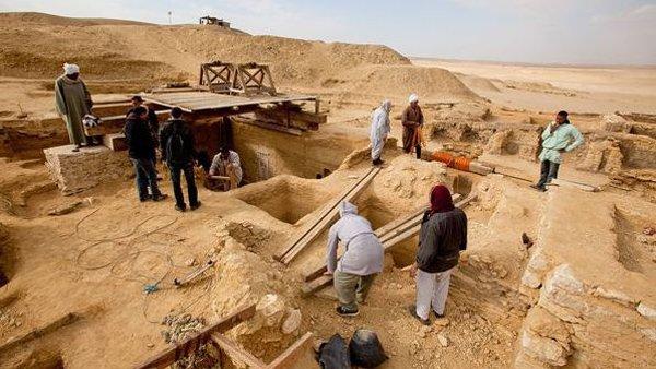 В Египте обнаружили новую пирамиду : египетские пирамиды