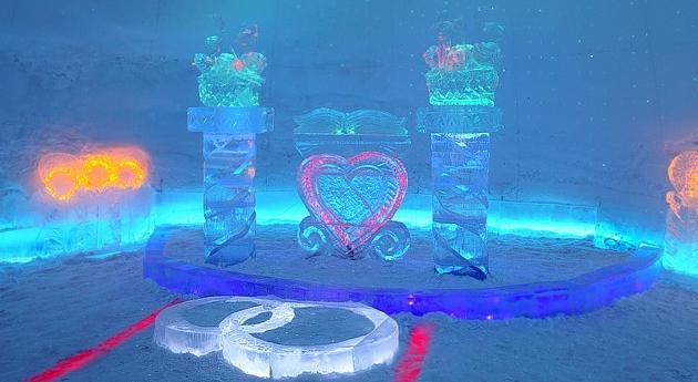 В Мурманской области открылся ледяной дворец бракосочетаний :: Новости экономики.