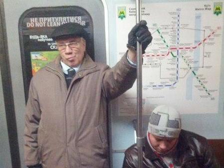 Азаров лично проверит, как латают ямы на дорогах - Цензор.НЕТ 7955