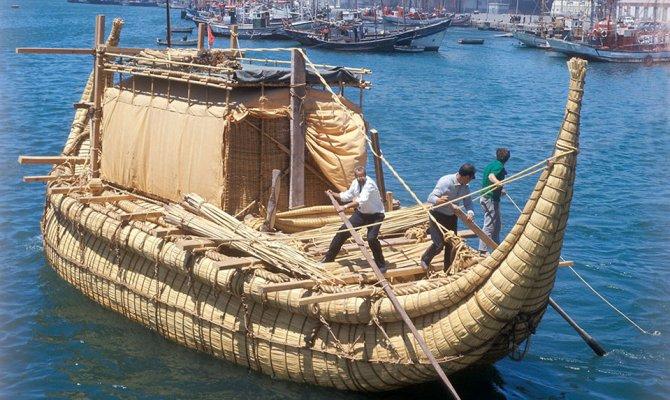 как называлась папирусная лодка тур хейердал