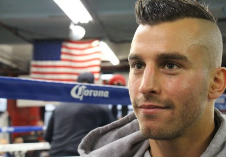 Подготовку боксера прокомментировал его тренер.