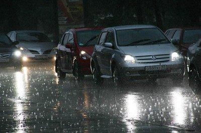 В Краснодаре ограничили движение транспорта по улице Строителей.