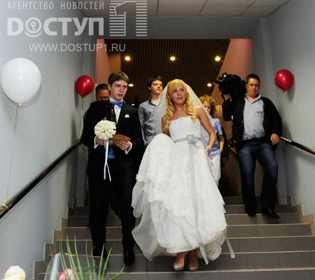 Нападающий сборной России и челябинского Трактора Евгений Кузнецов женился - Фото 5