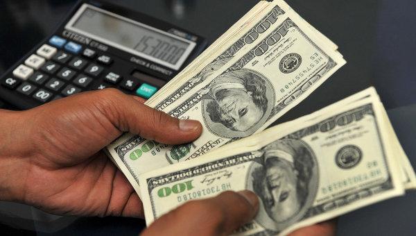 Законопроект об ограничении хранения долларов США в РФ внесен в ГД