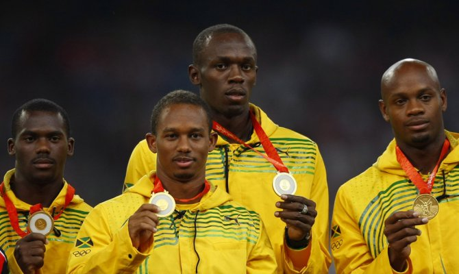 Сборная Ямайки - победитель эстафеты на Олимпиаде 2008 года. На фото слева направо: Неста Картер Майкл Фрэйтер Усэйн Болт Асафа Пауэлл.
