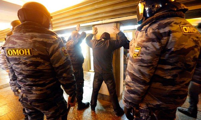 В Приморье задержаны 13 человек подозреваемые в нападении на полицейских