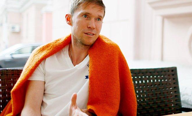 Один из лучших футболистов говорящих на русском рассказывает Дмитрию Егорову о сборной Слуцкого Месси Златане и любви к родине.