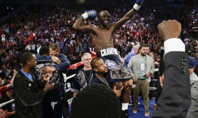 Кроуфорд стал абсолютным чемпионом мира в весе до 635 кг - Фото