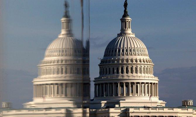 Демократы рассчитывают найти выход из кризиса в США к понедельнику
